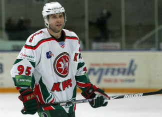 КХЛ: Два экс-форварда сборной России могут пополнить