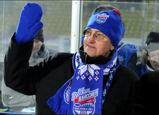 Легендарный советский хоккеист празднует юбилей