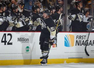 НХЛ: «Питтсбург» добывает третью победу подряд, Кросби забрасывает
