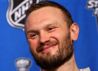 НХЛ: 41-летний российский защитник подписал пробный контракт с «Питтсбургом»