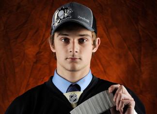 НХЛ: Латвийский форвард подписал с «Питтсбургом» контракт новичка