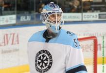 КХЛ: Голкипер из НХЛ может заменить Салака в «Сибири»