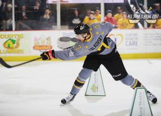 Степан Фальковский продолжает результативно играть в ECHL