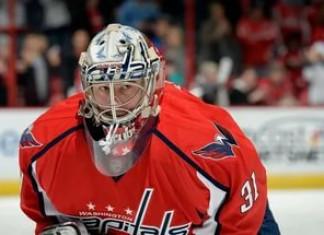 НХЛ: Немецкий вратарь остаётся в «Вашингтоне»