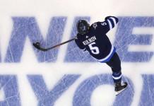 НХЛ: «Виннипег» может выкупить контракт российского защитника