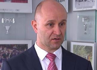 Савилов прокомментировал слова Шапиро о хоккеистах, которые пьяными вываливаются из автобуса