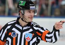 Один из лучших арбитров КХЛ в матче «Витязь» - «Торпедо» получил тяжелую травму