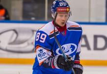 Форвард сборной Беларуси продлил контракт в ВХЛ