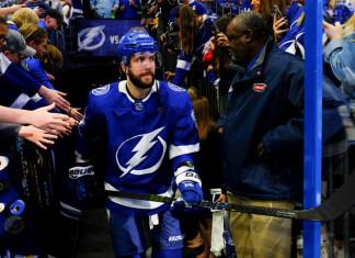 НХЛ: Российский форвард  номинирован на «Харт Трофи»