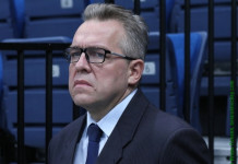 Владимир Бережков: Предложил Савилову, почему бы нам не создать Профессиональную хоккейную лигу