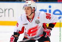 КХЛ: «Авангард» продлил контракты сразу с двумя лидерами