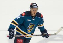 Форвард, которого хочет заполучить «Юность», подписал пробный контракт в КХЛ