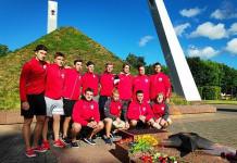 Экстралига Б: Хоккеисты «U-20» возложили цветы у Кургана Бессмертия в Лиде