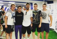 Известный российский блогер сфотографировался с брестскими хоккеистами